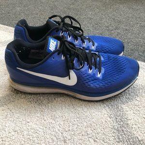"Size 11.5 Nike Zoom Pegasus ""34"" shoes (Blue)"